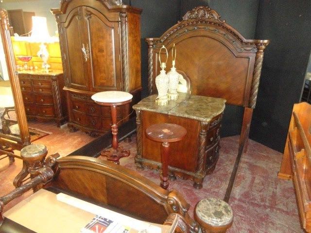 Past Auctions - 15163.jpg